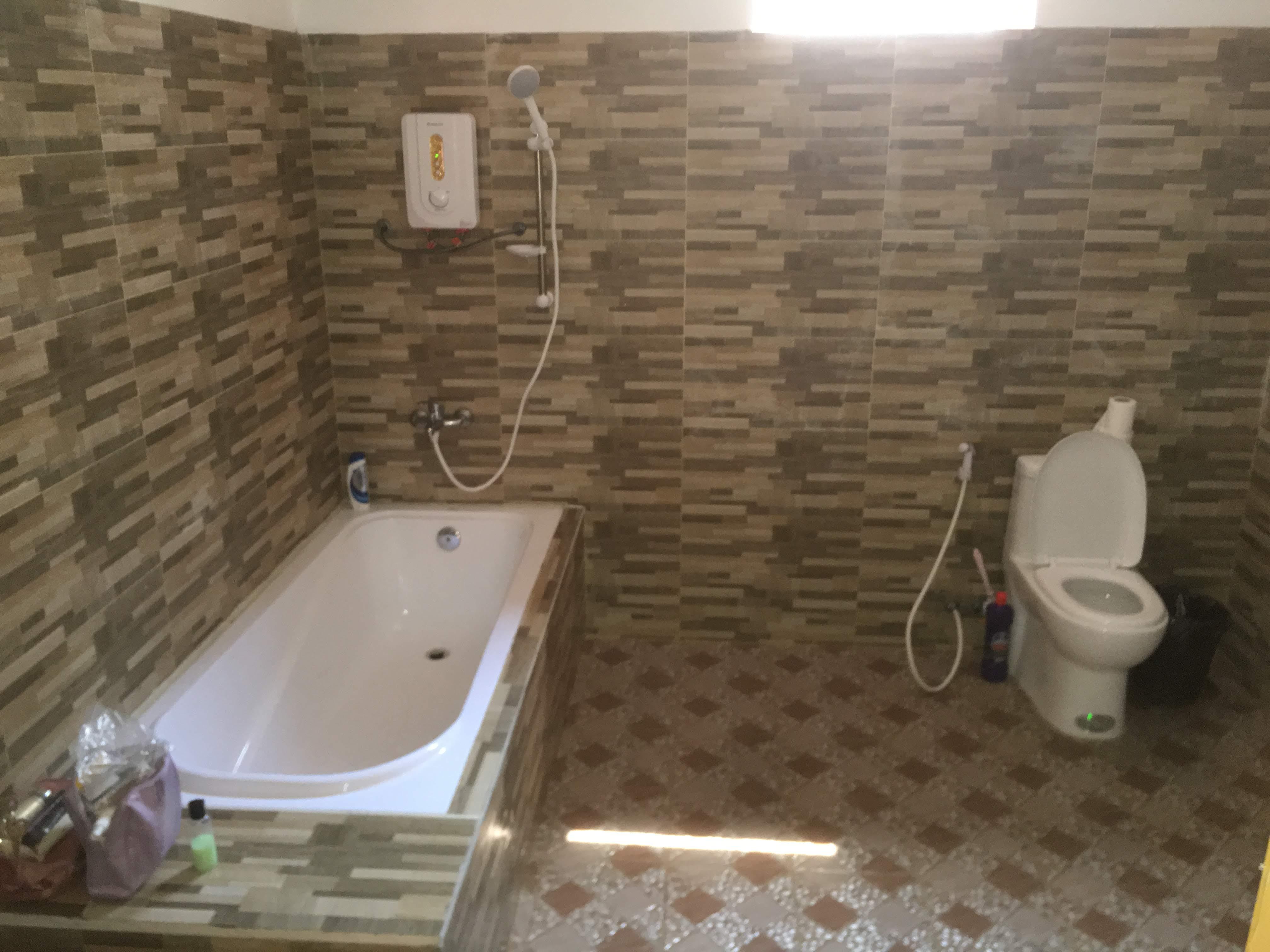 ORA - Bathroom