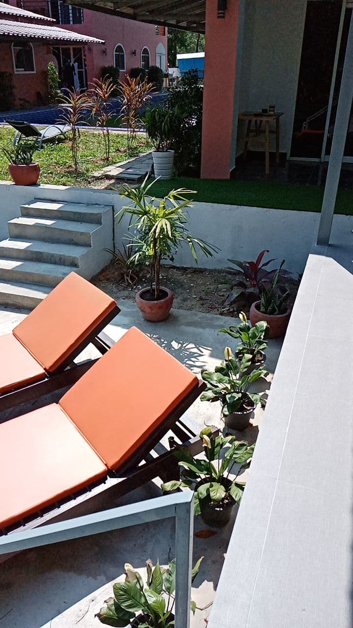 Riverside Apartment - Garden